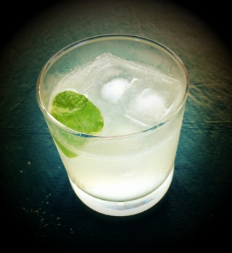MaxPixel.freegreatpicture.com-Gin-Happy-Hour-Gin-And-Tonic-Drink-Grunge-Glass-507439.jpg