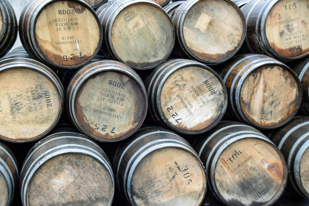 scotland_england_fort_william_ben_nevis_distillery_whisky_whiskey_barrels_barrels-539883.jpg!d.jpg