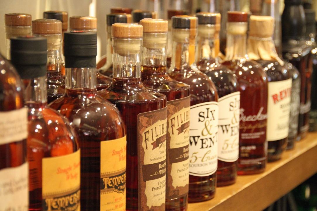 whisky-1512509_1920.jpg