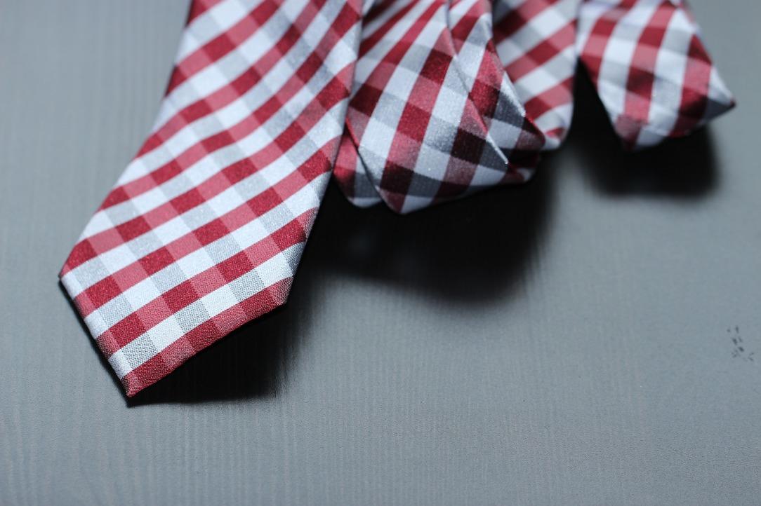 necktie-987784_1920.jpg