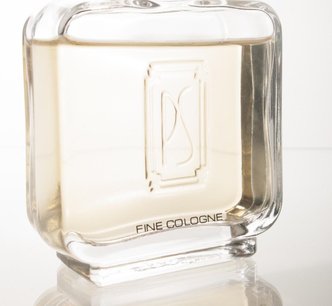 perfume_smells_con_fragrance_scent_perfume_bottle_elegance_spray-1058629-jpgd.jpeg