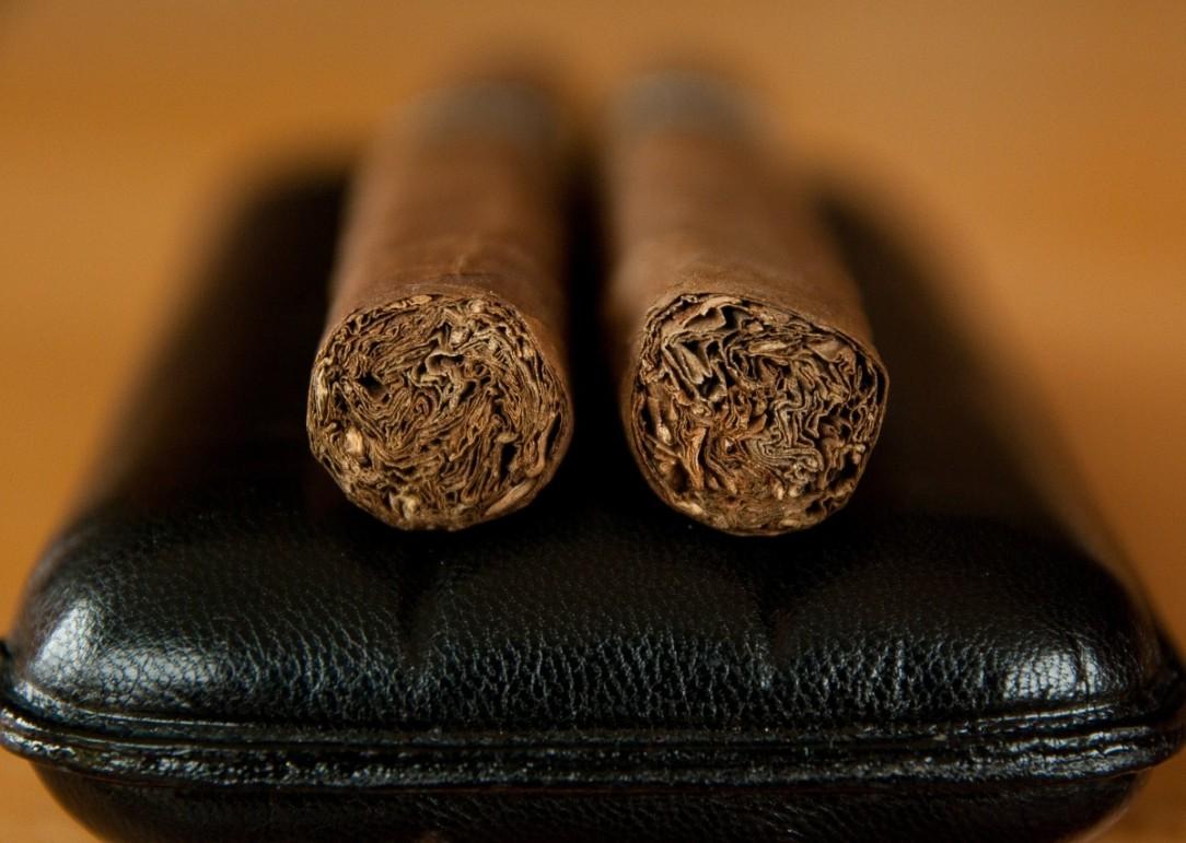 tobacco_cigar_smoke_smoker_havana_case-637340.jpg!d