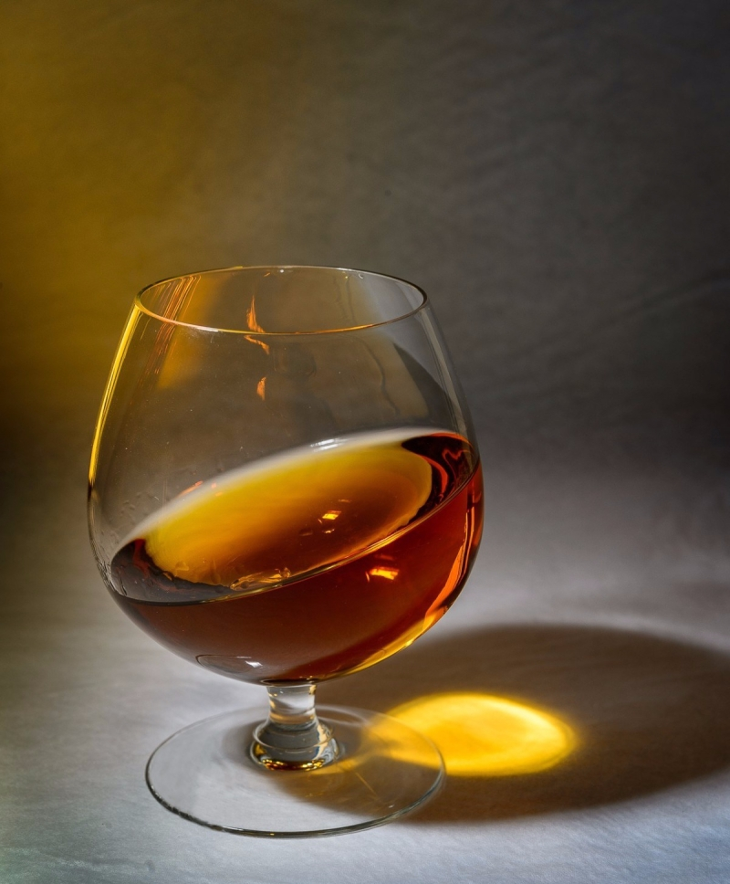 cognac_horizon_alcohol-1369143.jpgd_.jpeg