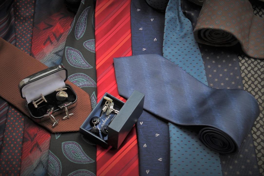 scarves-4128126_1280